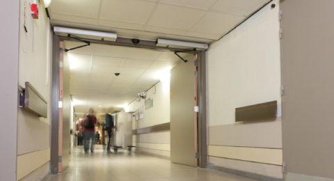 Puertas Batientes para Hospitales